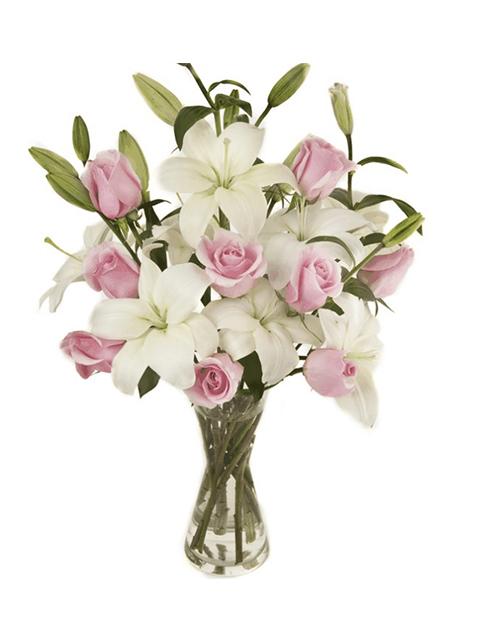 bouquet di gigli bianchi e rose rosa