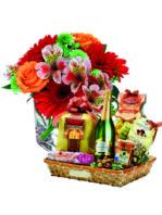Cesto natalizio con bouquet di fiori misti